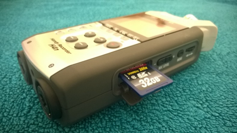 Removing SD Card from Zoom H4n Handy Recorder